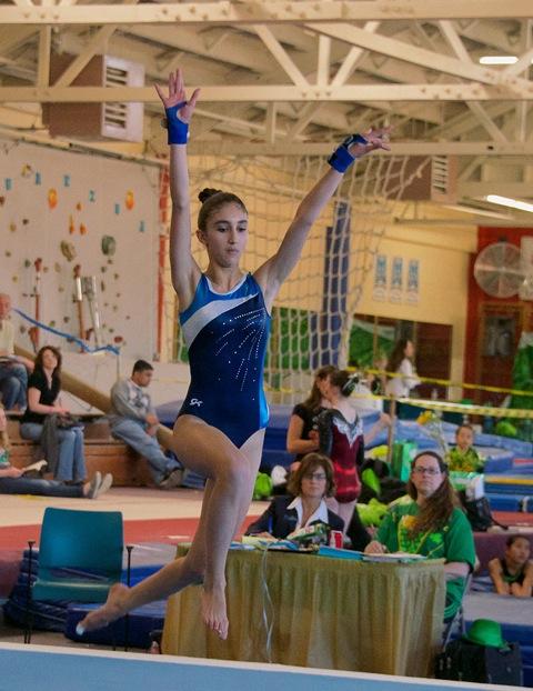 8-sisi-gymnast-3-13-428