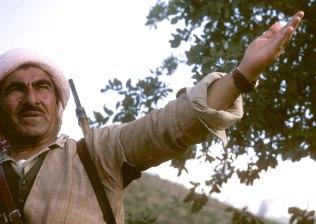 Barzani-gesture